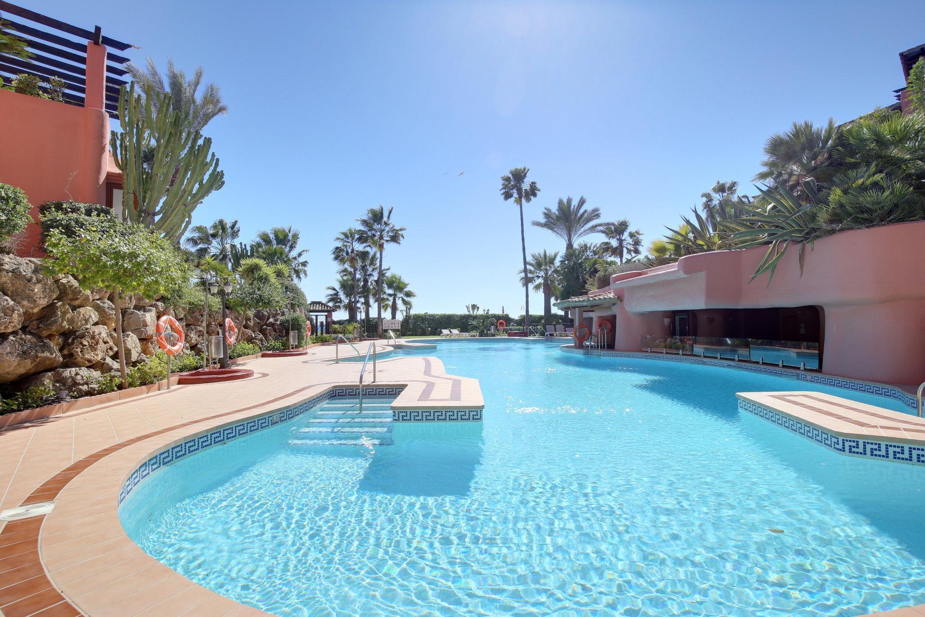 Penthouse Menara Beach New Golden Mile, Estepona