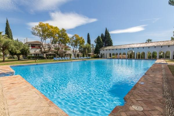 2 Bedroom, 2 Bathroom Apartment For Sale in Señorio de Marbella, Marbella Golden Mile