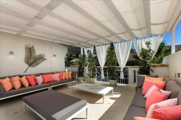 4 Bedroom, 4 Bathroom Townhouse For Sale in Sierra Blanca del Mar, Marbella