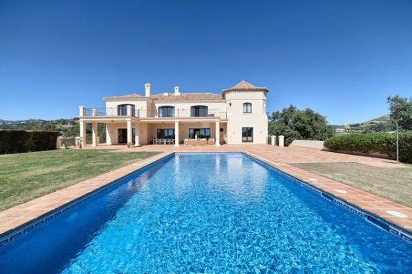 7 Bedroom, 7 Bathroom Villa For Sale in Marbella Club Golf Resort, Benahavis