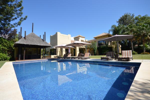 6 Bedroom6, Bathroom Villa For Sale in San Pedro de Alcantara
