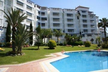 2 Bedroom, 2 Bathroom Apartment For Sale in Playas del Duque, Puerto Banus, Marbella