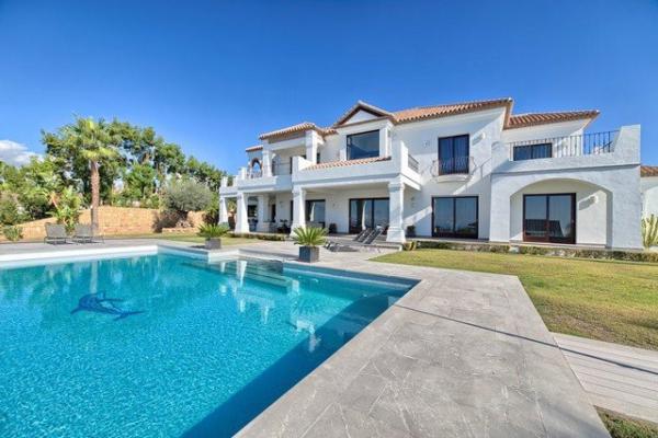 5 Dormitorio, 3 Baño Villa En Venta en Los Flamingos Golf, Benahavis