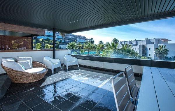 3 Спальня, 2 Ванная Апартамент Продается в Cumbre de los Almendros, Benahavis