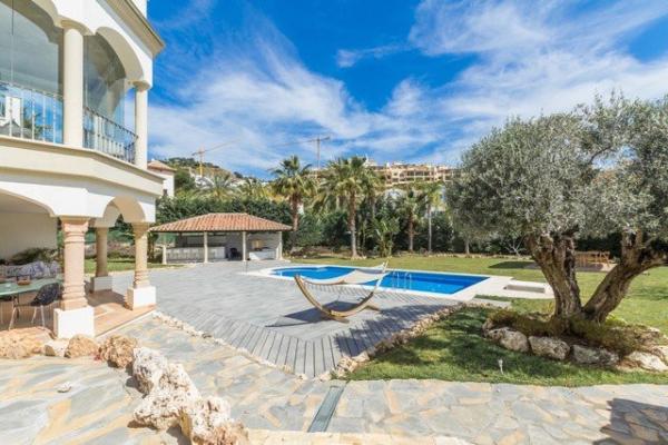 5 Schlafzimmer, 5 Badezimmer Villa Zum Verkauf in Benahavis