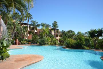3 Bedroom, 2 Bathroom Penthouse For Sale in Mansion Club, Marbella Golden Mile