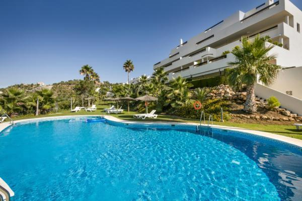 3 Bedroom3, Bathroom Apartment For Sale in La Azalia, La Reserva de Alcucuz, Benahavis