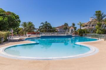 3 Bedroom, 2 Bathroom Apartment For Sale in Monte Paraiso, Marbella Golden Mile