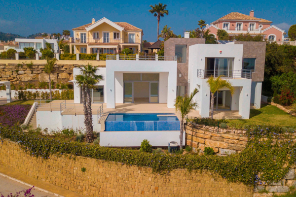 4 Bedroom4, Bathroom Villa For Sale in Puerto del Capitan, Benahavis