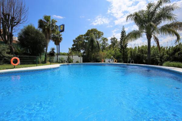 4 Chambre, 2 Salle de bains Maison de Ville A Vendre danse Diana Park, New Golden Mile, Estepona