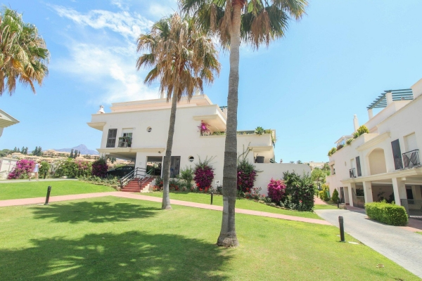 2 Sovrum, 2 Badrum Lägenhet Till Salu i Lorcrimar, Nueva Andalucia, Marbella
