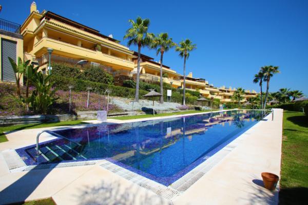2 Bedroom, 2 Bathroom Apartment For Sale in Condado de Sierra Blanca, Marbella Golden Mile