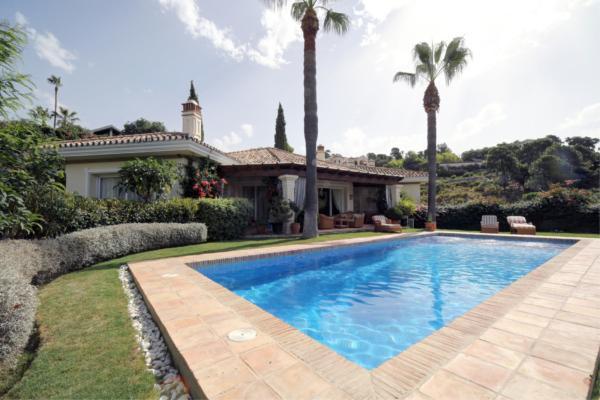 4 Sovrum, 4 Badrum Villa Till Salu i La Zagaleta, Benahavis
