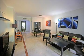 3 Bedroom, 3 Bathroom Apartment For Sale in Señorio de Marbella, Marbella Golden Mile