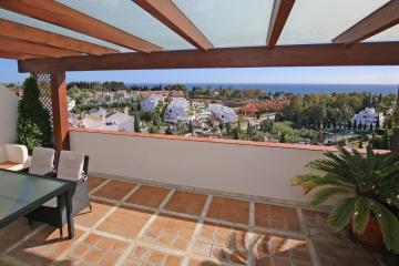 3 Bedroom, 3 Bathroom Penthouse For Sale in Señorio de Marbella, Marbella Golden Mile