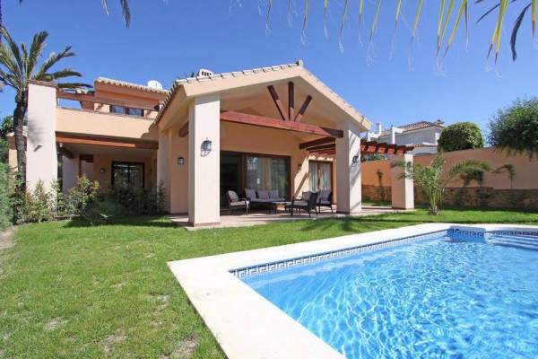 6 Bedroom6, Bathroom Villa For Sale in Marbella