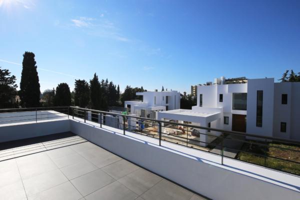 4 Bedroom4, Bathroom Villa For Sale in Atalaya, Estepona