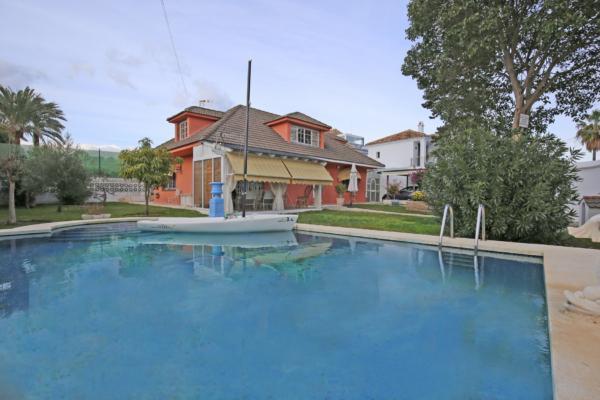 3 Sovrum, 2 Badrum Villa Till Salu i Linda Vista Playa, San Pedro de Alcántara