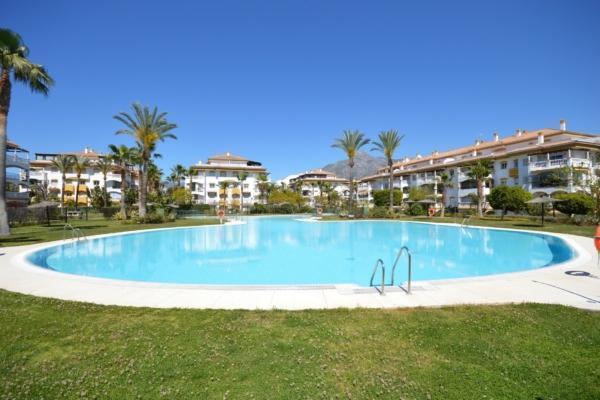 1 Bedroom1, Bathroom Apartment For Sale in La Dama de Noche, Nueva Andalucia, Marbella
