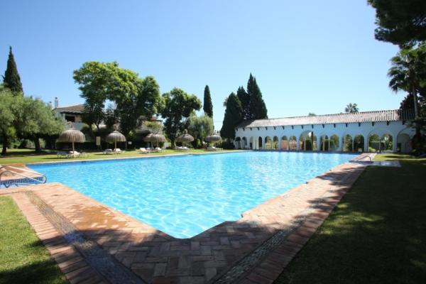 2 Bedroom, 1 Bathroom Apartment For Sale in Señorio de Marbella, Marbella Golden Mile