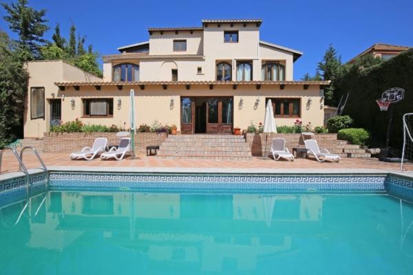 7 Dormitorio, 6 Baño Villa En Venta en Nueva Andalucia, Marbella