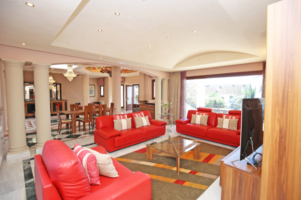 3 Bedroom, 3 Bathroom Apartment For Sale in Monte Paraiso, Marbella Golden Mile