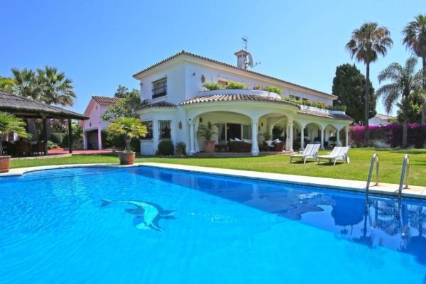 6 Chambre, 6 Salle de bains Villa A Vendre danse Guadalmina Baja, San Pedro de Alcántara