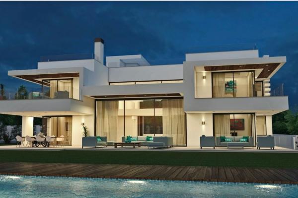 5 Bedroom, 5 Bathroom Villa For Sale in Guadalmina Baja, San Pedro de Alcantara
