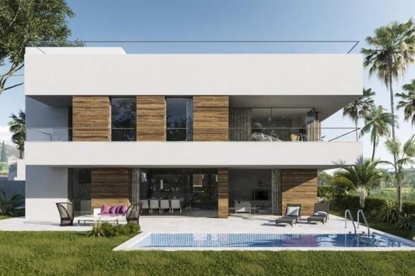 4 Bedroom, 5 Bathroom Villa For Sale in El Campanario Golf Resort, Estepona