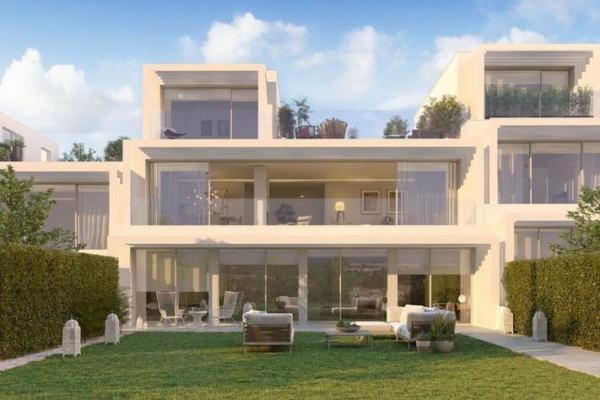 3 Bedroom, 2 Bathroom, Townhouse for Sale in La Finca Sotogrande Phase I, Sotogrande