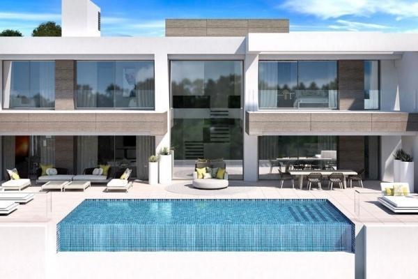 4 Bedroom, 4 Bathroom Villa For Sale in Light Blue Villas, El Paraiso, Estepona