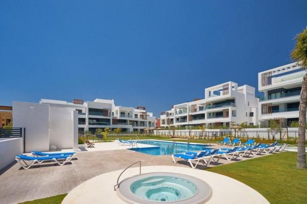 2 Bedroom, 2 Bathroom, Penthouse for Sale in Los Miradores del Sol, Cancelada, Estepona