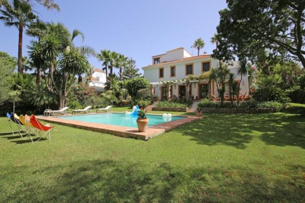 6 Bedroom7, Bathroom Villa For Sale in Lagomar, Nueva Andalucia, Marbella