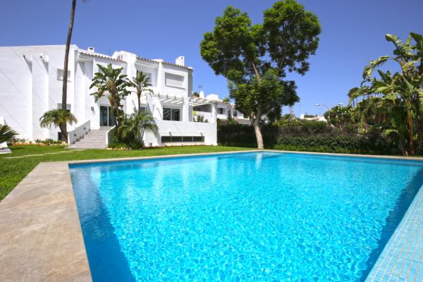 5 Schlafzimmer, 4 Badezimmer Villa Zum Verkauf in Nueva Andalucia, Marbella