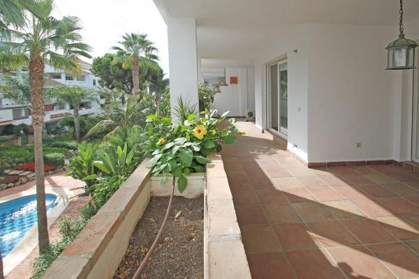2 Bedroom2, Bathroom Apartment For Sale in Las Cañas Beach, Marbella Golden Mile