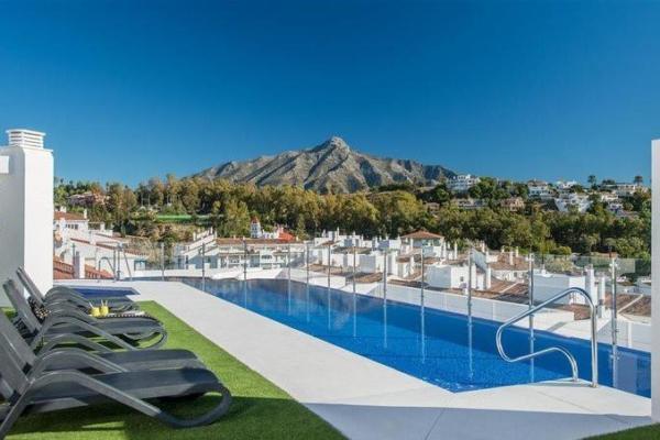 2 Bedroom, 2 Bathroom, Apartment for Sale in Residencial Albatros, Marbella