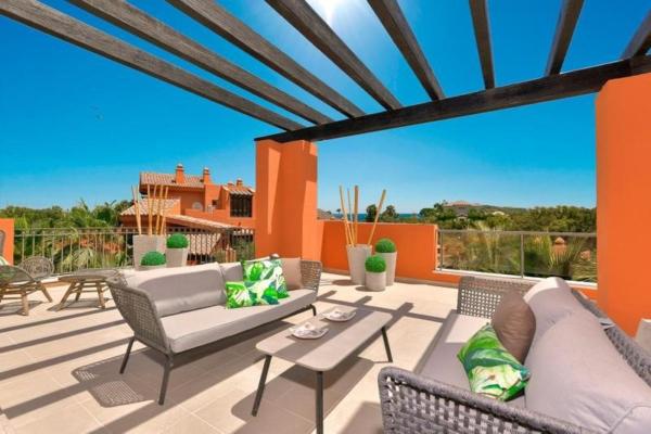 3 Bedroom, 2 Bathroom, Apartment for Sale in Alminar de Marbella Fase II, Marbella
