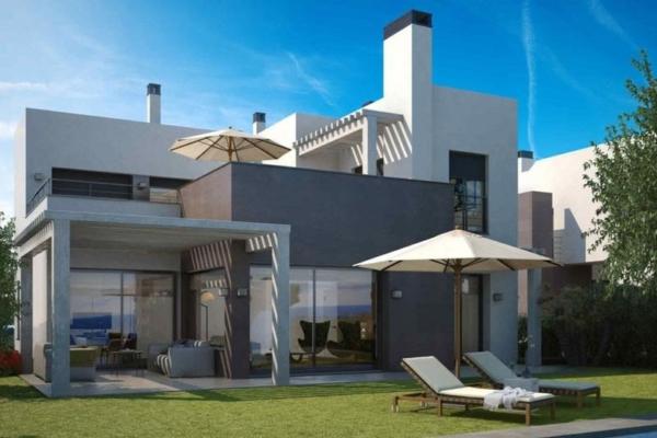 4 Bedroom, 3 Bathroom, Villa for Sale in Estepona