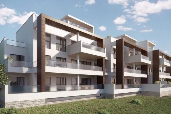 2 Bedroom, 2 Bathroom, Apartment for Sale in Benahavis