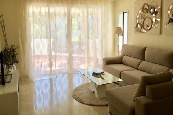 2 Sovrum, 2 Badrum Lägenhet Till Salu i Jardines de Aldaba, Puerto Banus, Marbella