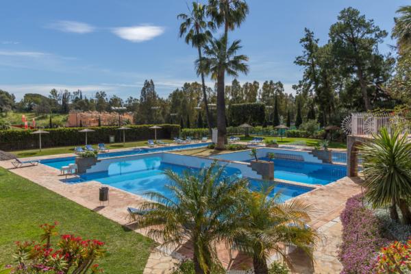 2 Bedroom, 2 Bathroom Apartment For Sale in Señorio de Marbella