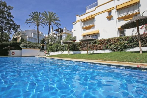 5 Bedroom4, Bathroom Townhouse For Sale in Marbellamar, Marbella Golden Mile