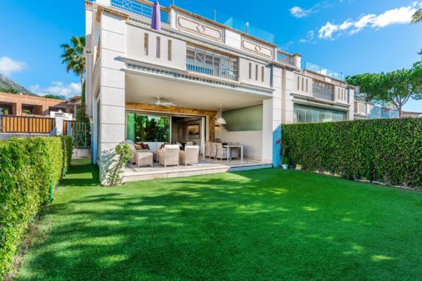 5 Bedroom, 4 Bathroom Townhouse For Sale in Sierra Blanca del Mar, Marbella