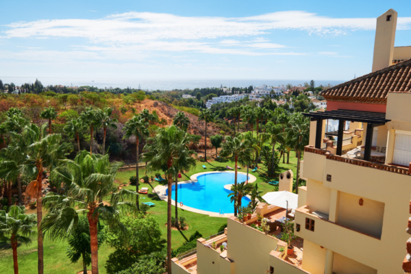 5 Bedroom, 4 Bathroom Penthouse For Sale in Las Lomas del Marbella Club, Golden Mile