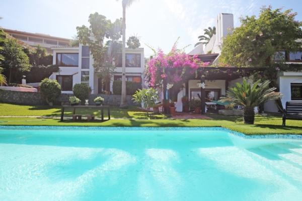 5 Bedroom, 5 Bathroom Villa For Sale in Las Brisas, Nueva Andalucia, Marbella