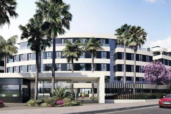 4 Bedroom, 3 Bathroom, Apartment for Sale in Residencial Nereidas, Torremolinos