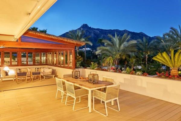 3 Bedroom, 2 Bathroom, Apartment for Sale in Lomas del Rey Fase D, Marbella