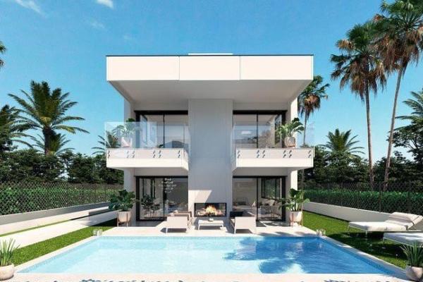 4 Bedroom, 4 Bathroom, Villa for Sale in Valois Villas Puerto Banús, Marbella