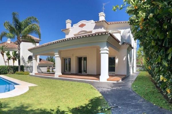 4 Bedroom, 4 Bathroom, Villa for Sale in Villa Guadalmina II, San Pedro Alcantara