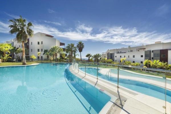 2 Bedroom, 2 Bathroom, Apartment for Sale in Los Flamingos, Benahavis